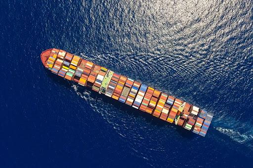 Frachtowiec kontenery